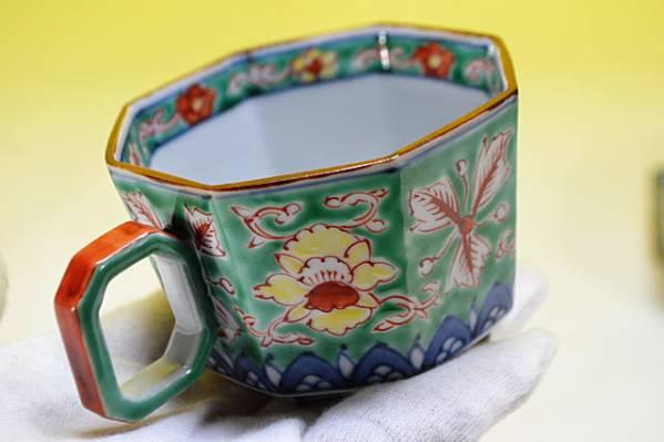 平安雲泉造 青濃牡丹山水八角 珈琲碗皿 共箱